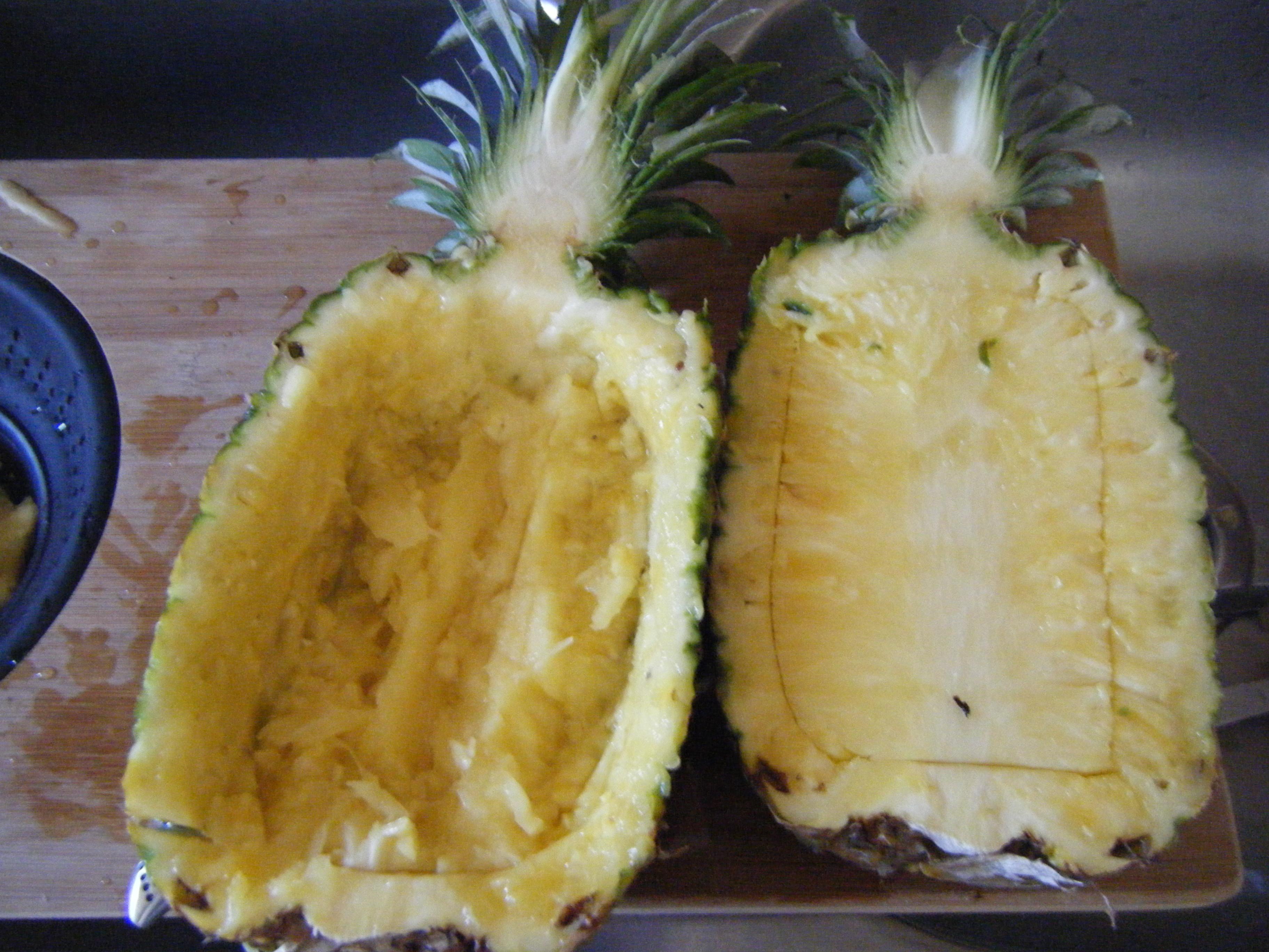 104. Pineapple Fruit Bowls | Dinner is Served 1972