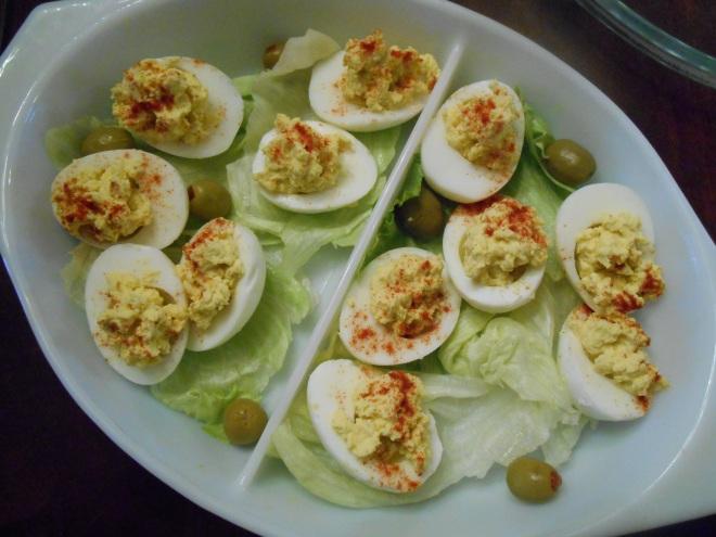 retro deviled eggs