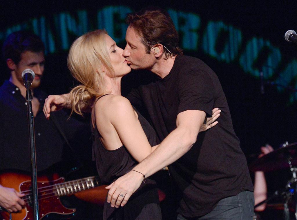 mulder kisses scully